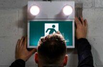 Fluchtwegbeleuchtung: Definition, Vorschriften, Prüfungen und Pflichten (Foto: shutterstock - Arman Saturday)