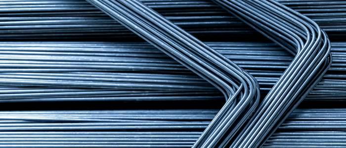 Drahtbiegemaschinen fertigen Drähte für ganz unterschiedliche Anwendungsbereiche. Diese liegen nicht nur im Feld der Industrie. Draht in unterschiedlichen Stärken und aus vielfältigen Materialien ist in zahlreichen Branchen gefragt. (Foto: shutterstock - 1EYEman)